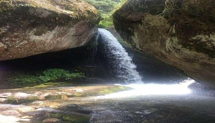 Knoi Waterfall View