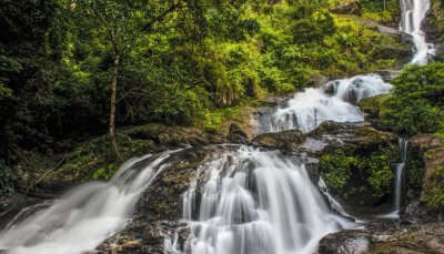 beautiful waterfallin coorg