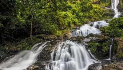 beautiful waterfallin coorg