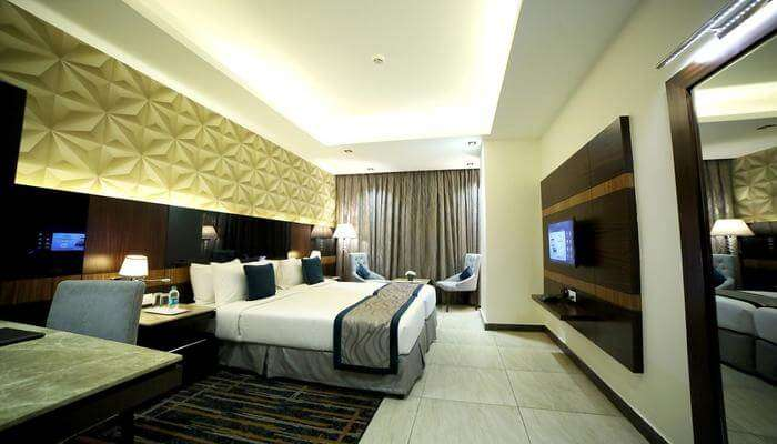 RG Royal Hotel