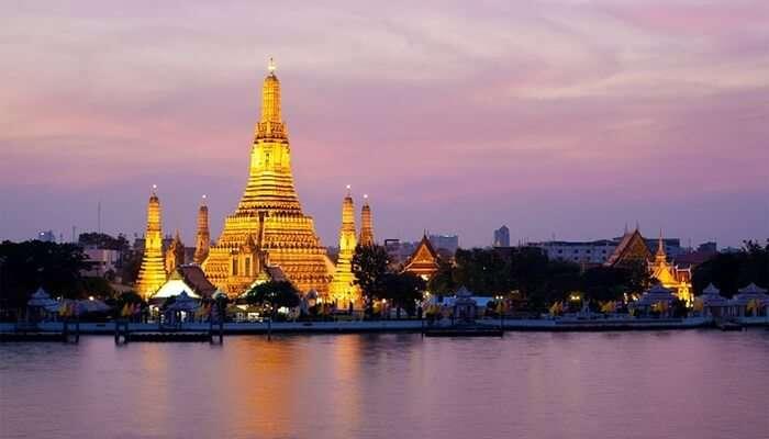 Travel on the Chao Phraya River