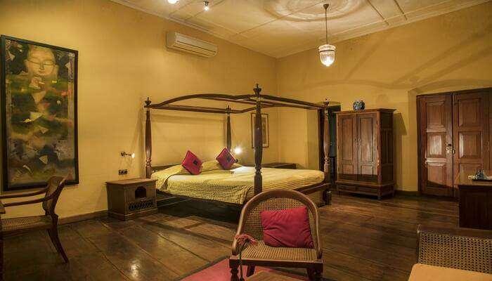 Hotels Near Athirapally