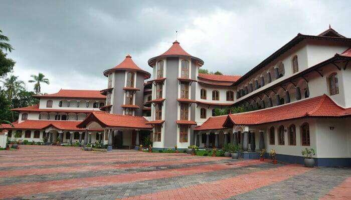 Hotels near Kannur