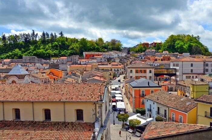 italy town villa 70 rupees Bisaccia