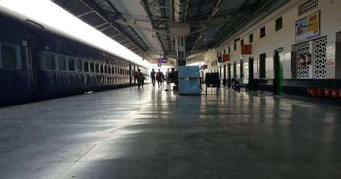 Delhi To Manali Trains