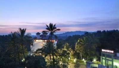 resorts near Athirapally