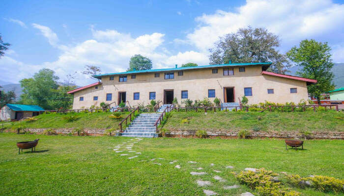resorts near Palampur