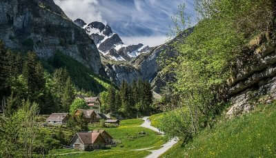 Best Walking Tours In Switzerland