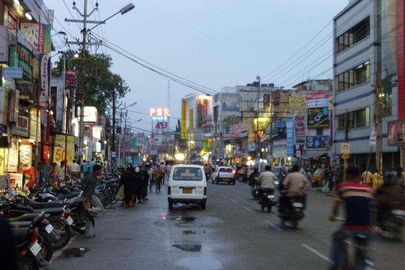 Cross Cut Road In Coimbatore