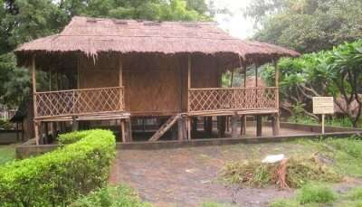 Crafts Hut in National Crafts Museum and Hastkala Academy