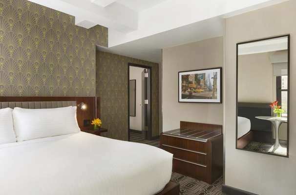 Hotel Edison Times Square New York Usa Review Photos Room Info
